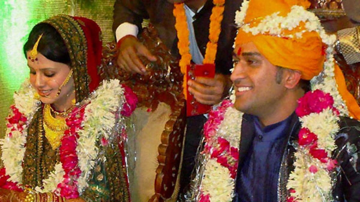 dhoni marriage