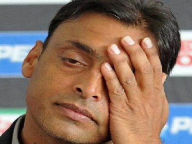 Shoaib Akhtar insulted on live television-ptv sports-video