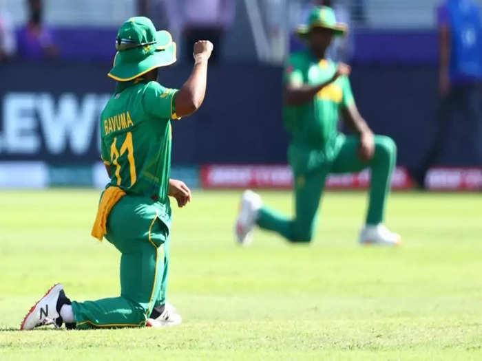 T20 World Cup 2021: Quinton de Kock के घुटने पर ना बैठने के फैसले पर बढ़ा विवाद, खिलाड़ी ने खुद को किया अनुपलब्ध, CSA पर भड़के फैंस